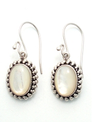 suarti mother of pearl drop silver earrings