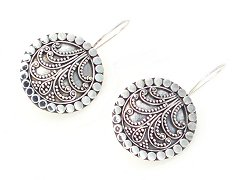 Suarti filigree disc wire earrings